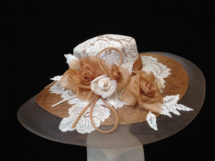 Thomas von Nordheim - Picture hat in cafe-au-lait sinamay, crin, lace and handmade organza rose