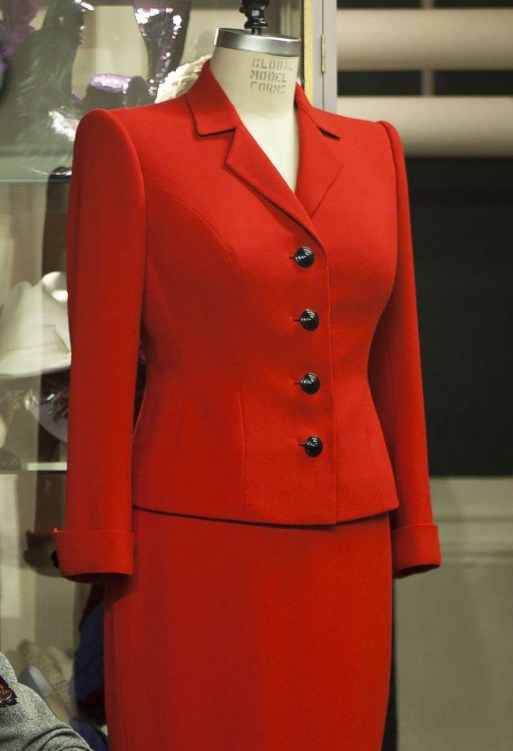 Suit in scarlet wool crepe