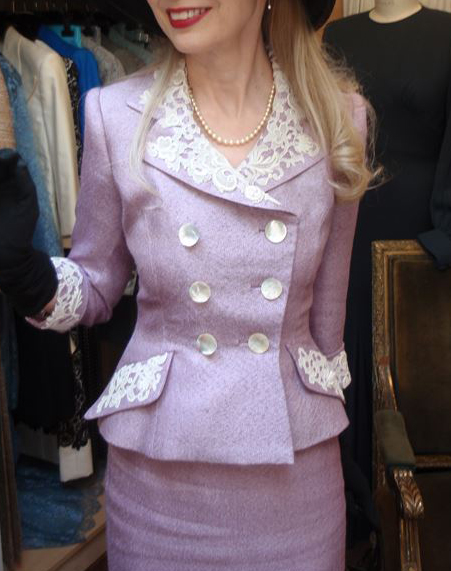 Suit in lilac silk, trimmed with antique point de venise