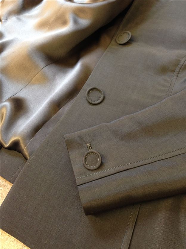 Suit in rifle green alpaca