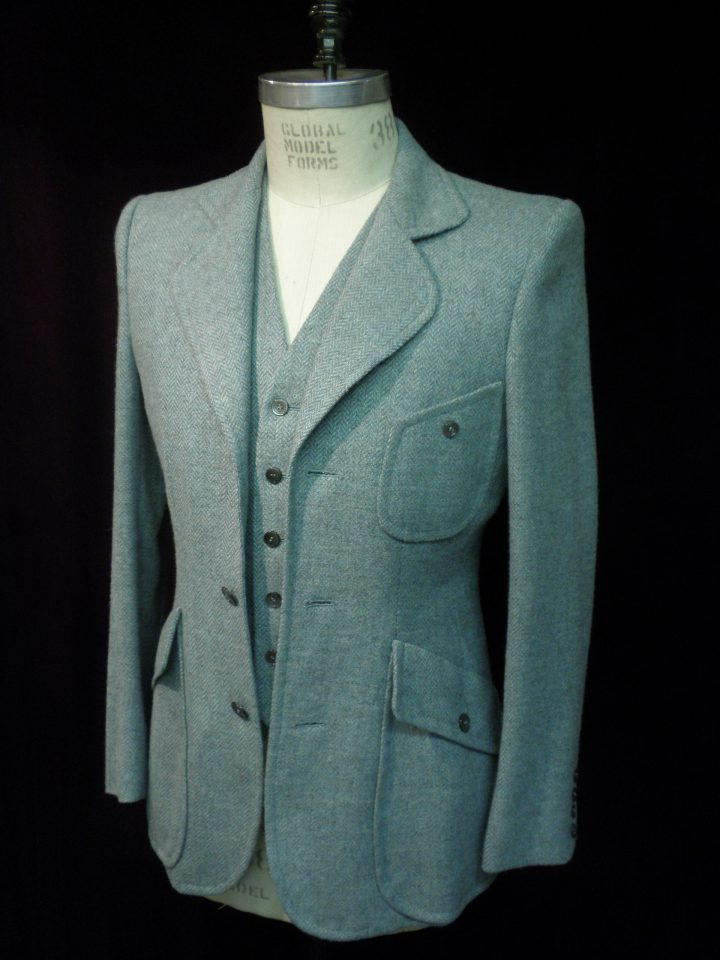 Thomas von Nordheim – suit in verdigris green wool herringbone