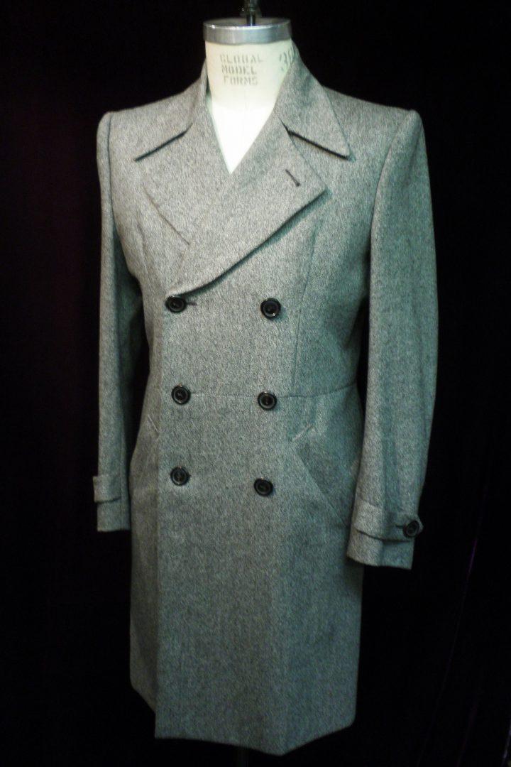 Thomas von Nordheim – Coat in grey Donegal tweed
