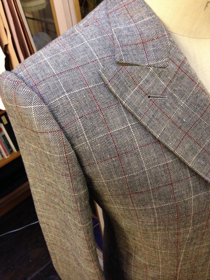 Thomas von Nordheim – suit in greige linen/silk windowpane check